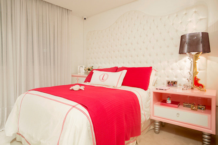 Classic style nursery/kids room by Karla Silva Designer de Interiores Classic