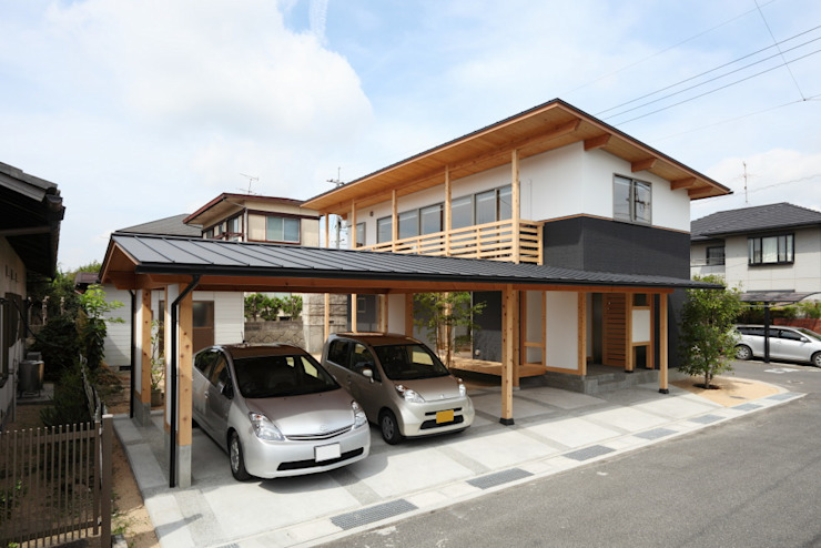 Garage/shed by 三宅和彦/ミヤケ設計事務所, Country Wood Wood effect
