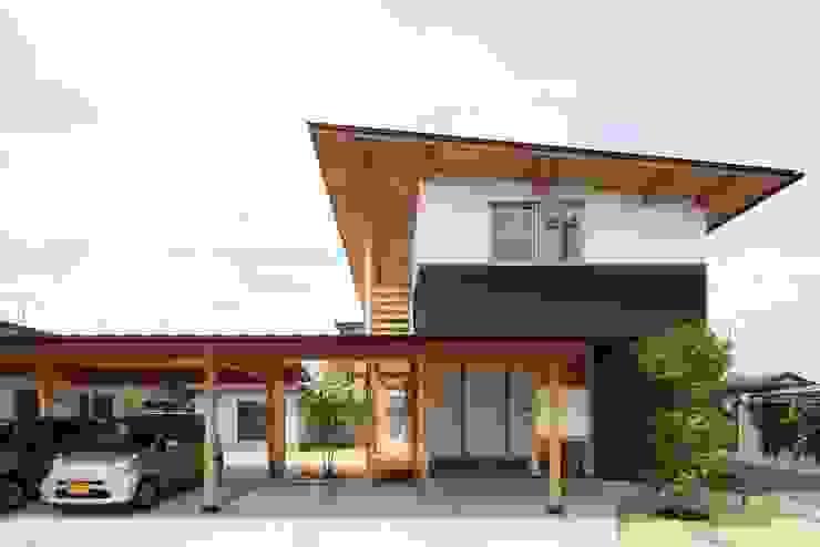 Ht-House カントリーな 家 の 三宅和彦/ミヤケ設計事務所 カントリー 木 木目調