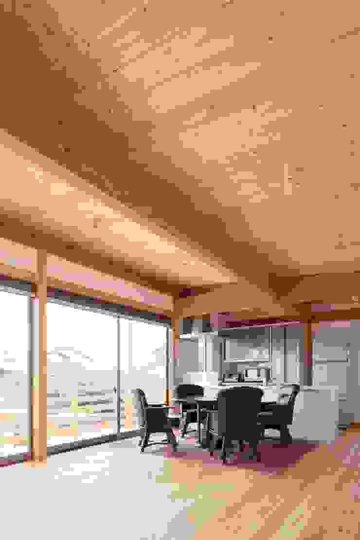 Ht-House ミニマルデザインの リビング の 三宅和彦/ミヤケ設計事務所 ミニマル 無垢材 多色