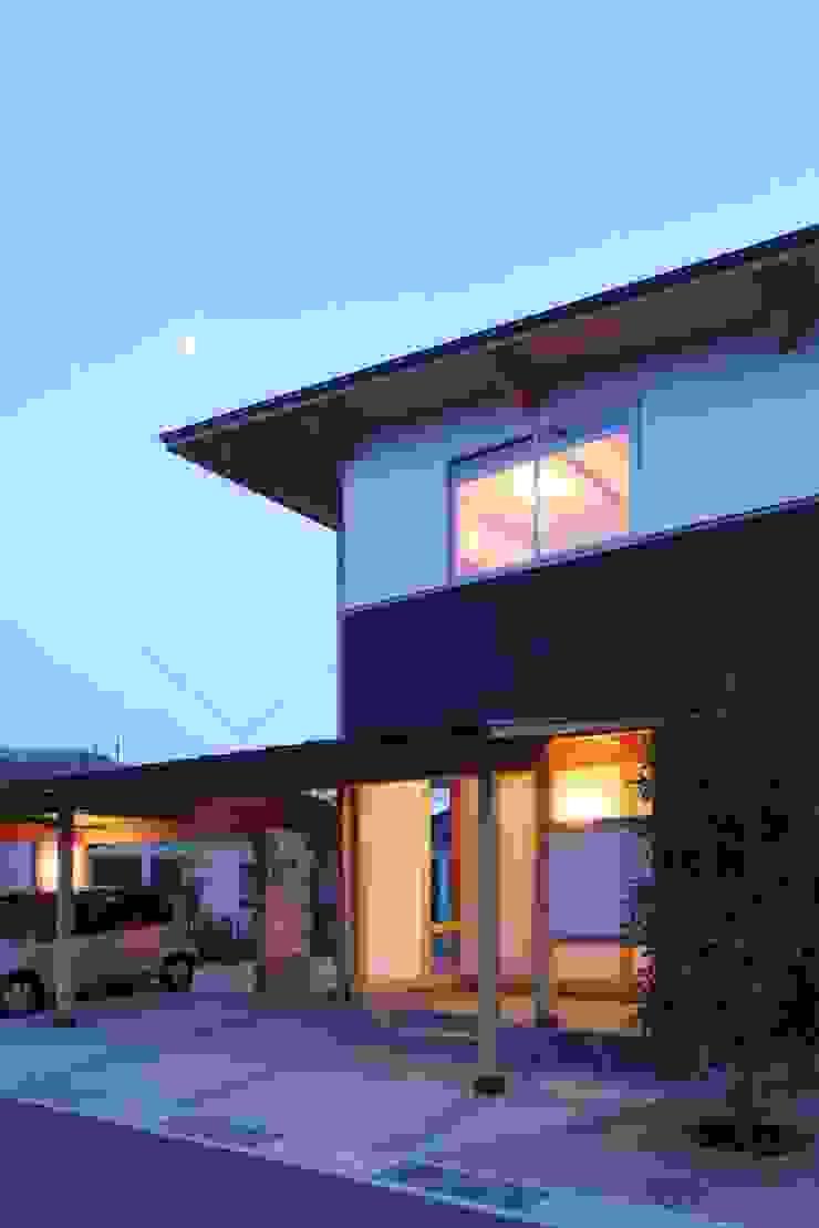 Ht-House ミニマルな 家 の 三宅和彦/ミヤケ設計事務所 ミニマル 木 木目調