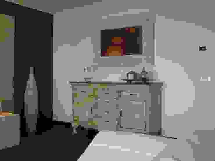 Salas de estar modernas por Giuseppe Rappa & Angelo M. Castiglione Moderno Madeira Acabamento em madeira