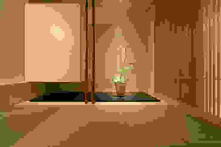 Salas multimedia de estilo moderno de 一級建築士事務所 株式会社KADeL Moderno