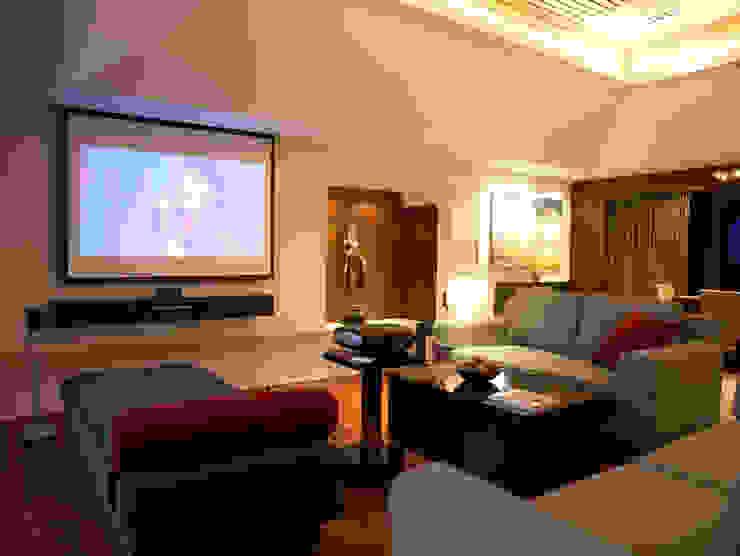 Casa Particular Modern Living Room by Bondian Living Modern