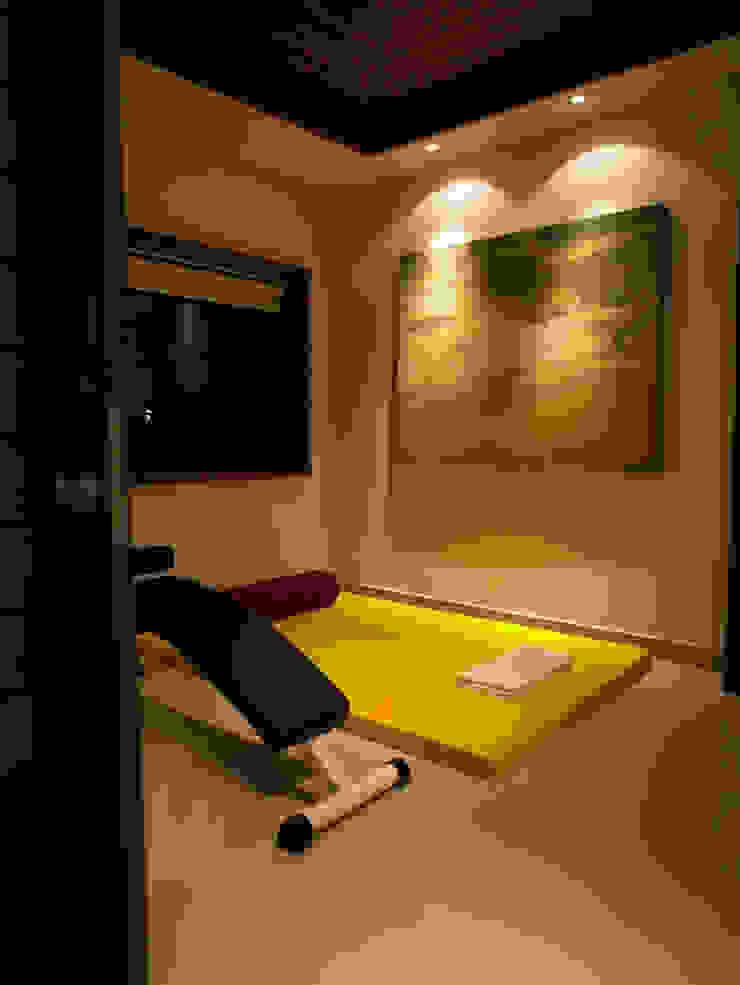 Casa Particular Modern Gym by Bondian Living Modern