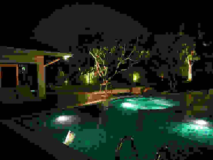 Casa Particular Modern Pool by Bondian Living Modern