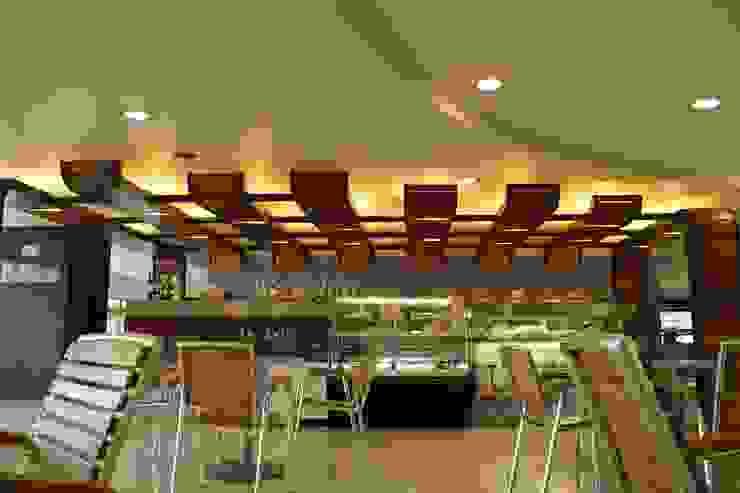DeLolita Centro Comercial Mayorca de @tresarquitectos Moderno
