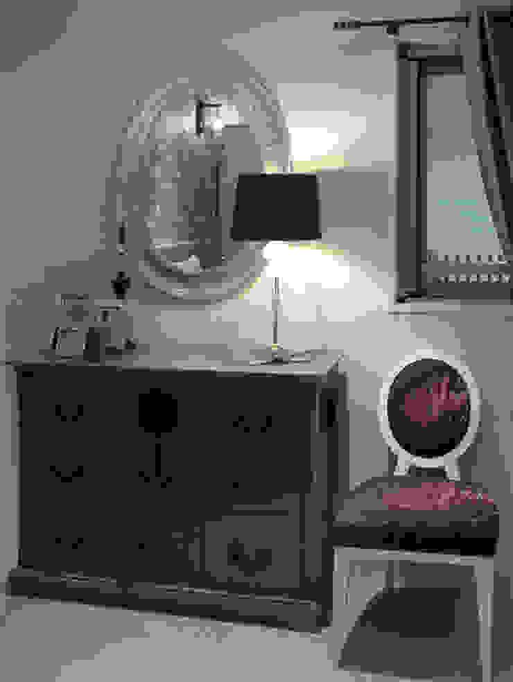 チェスト周りのしつらえ オリジナルスタイルの 寝室 の 澤山乃莉子 DESIGN & ASSOCIATES LTD. オリジナル
