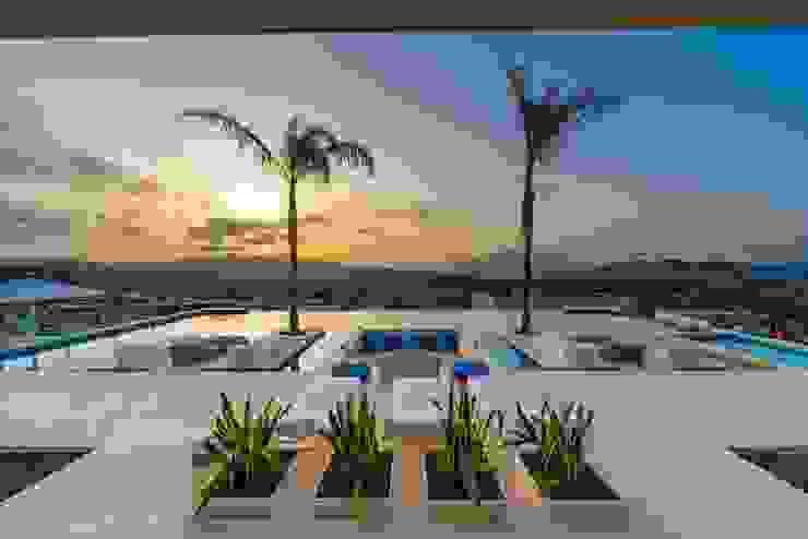 Casa Particular_Publicación magazine Balcones y terrazas de estilo moderno de Tarraula S.L. Moderno