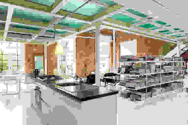 Progetto Cucina moderna di studio mamo Moderno