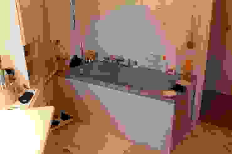 salle de bain à STRASBOURG par Agence ADI-HOME Moderne