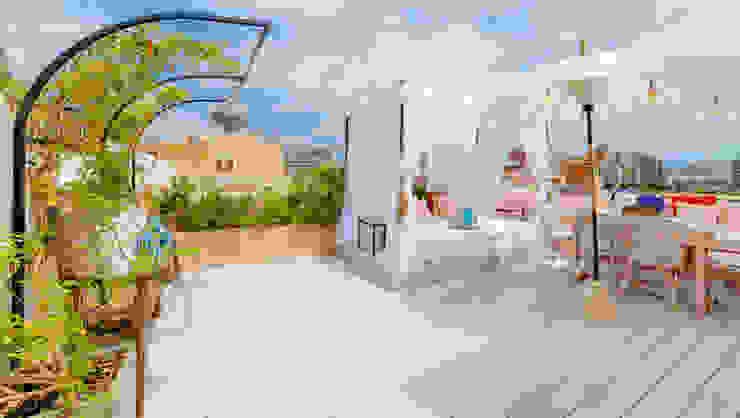 Proyecto Modern balcony, veranda & terrace by Bondian Living Modern