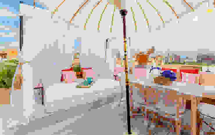 Proyecto Bondian Living Balcones y terrazas de estilo moderno