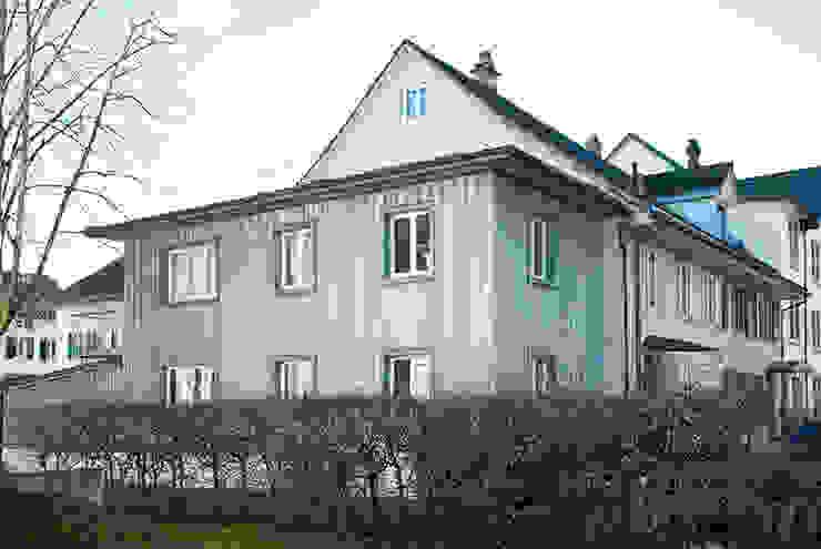 Aussenansicht Moderner Balkon, Veranda & Terrasse von homify Modern