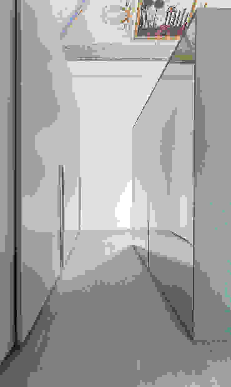 UNO8A BedroomWardrobes & closets
