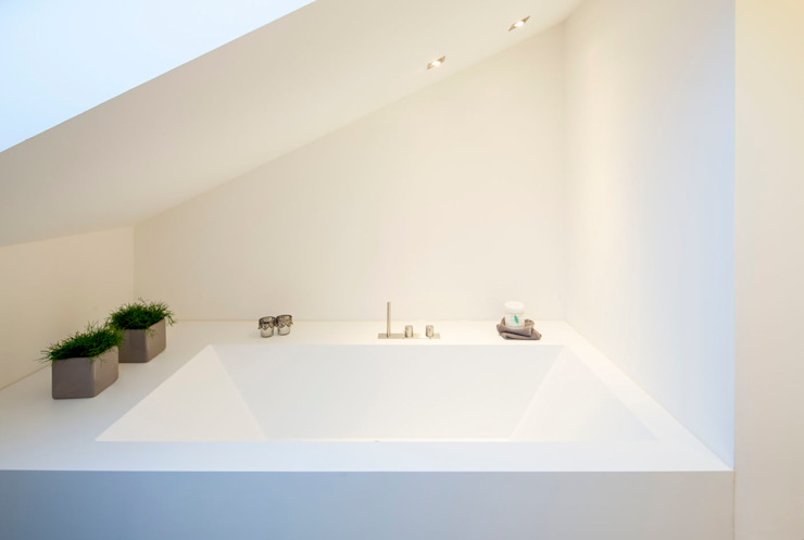 Minimalist bathroom by Architektur Jansen Minimalist