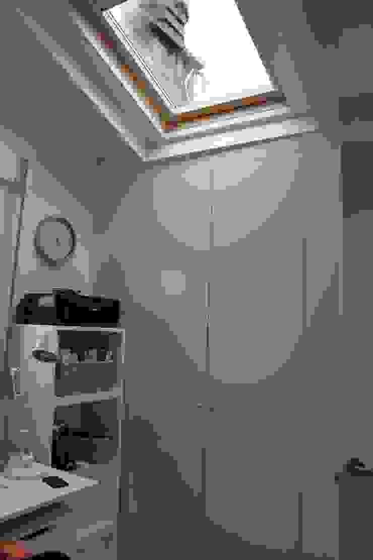 Modern Bedroom by Interior Zen. Obras e Proxectos Modern Engineered Wood Transparent