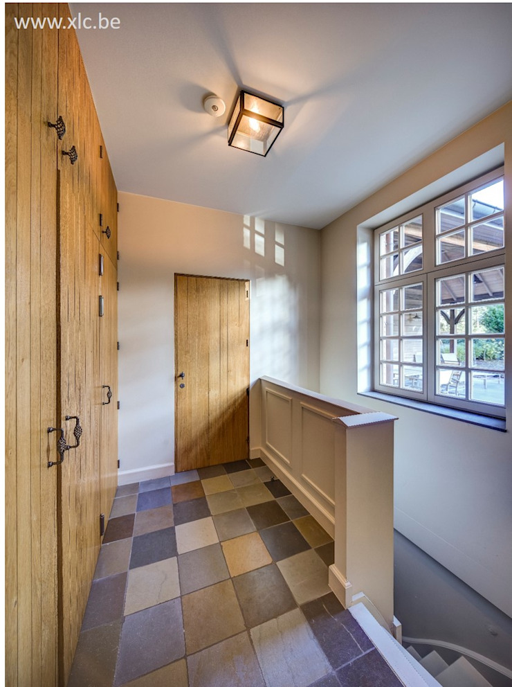 XLC Classic corridor, hallway & stairs