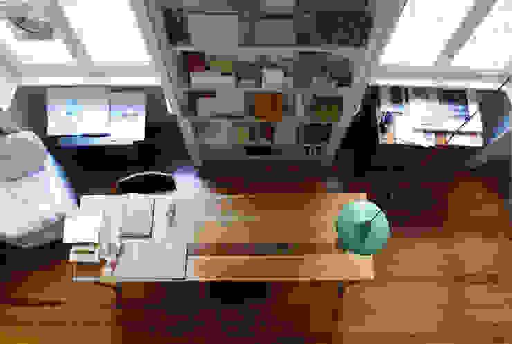 Studio 02arch Studio minimalista di 02arch Minimalista