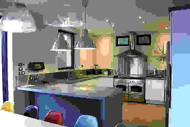Madeleine AVANTIN Modern kitchen