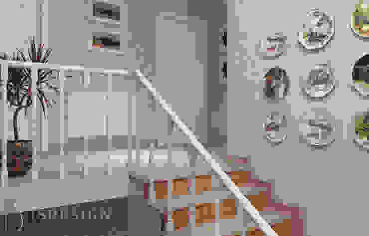 Лестница Коридор, прихожая и лестница в классическом стиле от ISDesign group s.r.o. Классический