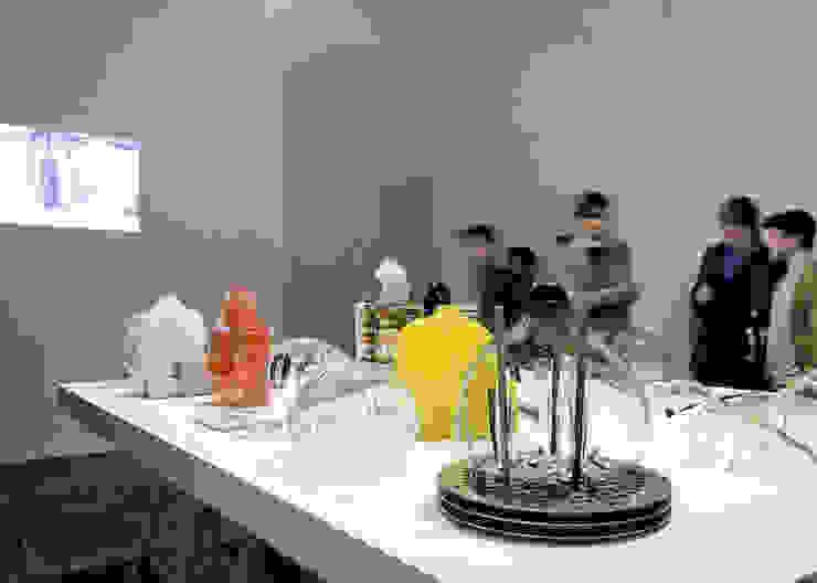 DIY MOULD II:  industrial por Rita Botelho,Industrial