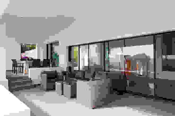 Balcones y terrazas modernos de Eduardo Irago Fotografia Moderno