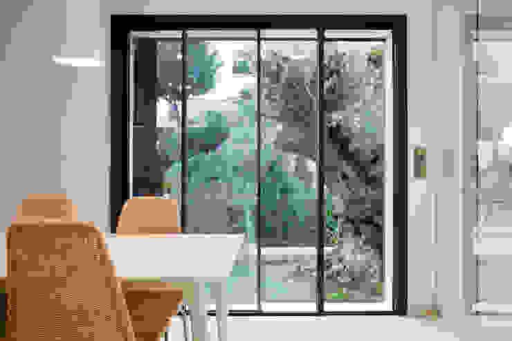 Puertas y ventanas de estilo moderno de Eduardo Irago Fotografia Moderno
