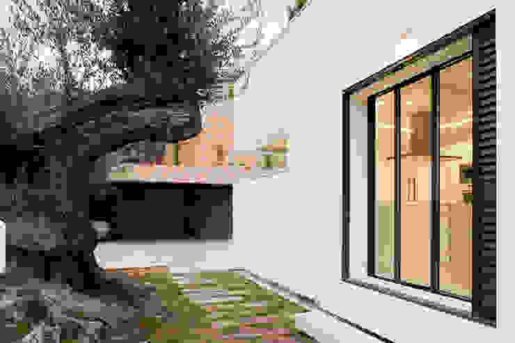 Puertas y ventanas modernas de Eduardo Irago Fotografia Moderno