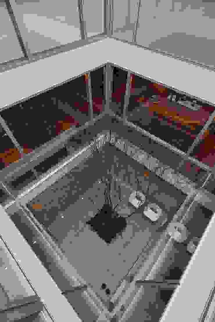SAKURA SAKURA SAKURA HOUSE モダンな庭 の Mアーキテクツ|高級邸宅 豪邸 注文住宅 別荘建築 LUXURY HOUSES | M-architects モダン