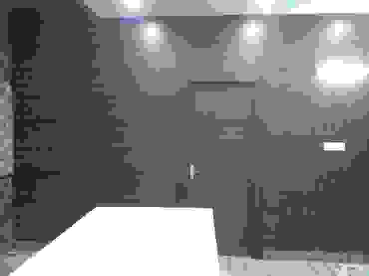 Laminated Partition : minimalist  by Studio Interiors Infra Height Pvt Ltd,Minimalist MDF