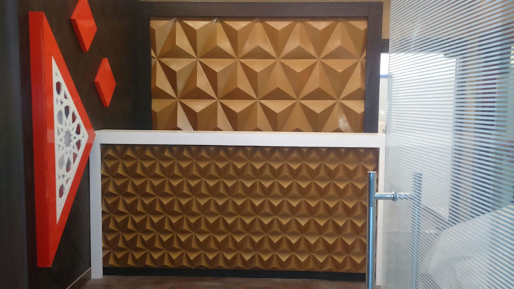 KUNAL REMEDIES: modern  by Studio Interiors Infra Height Pvt Ltd,Modern Engineered Wood Transparent