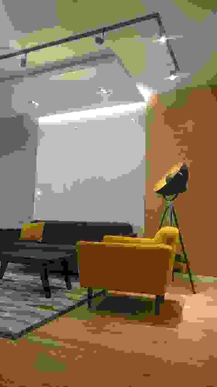 Mieszkanie 50 m2 na warszawskiej ochocie Nowoczesny salon od Project Art Joanna Grudzińska-Lipowska Nowoczesny