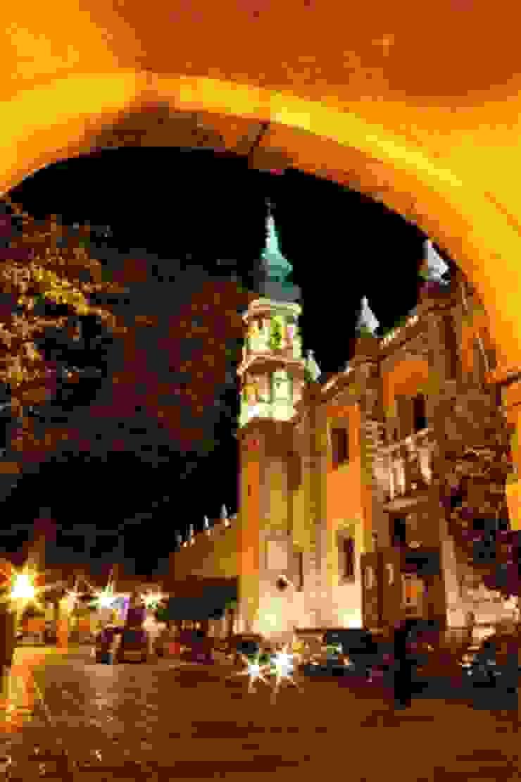 Templo de Santa Rosa visto desde los arcos en la calle Ezequiel Montes de Icaro Studio