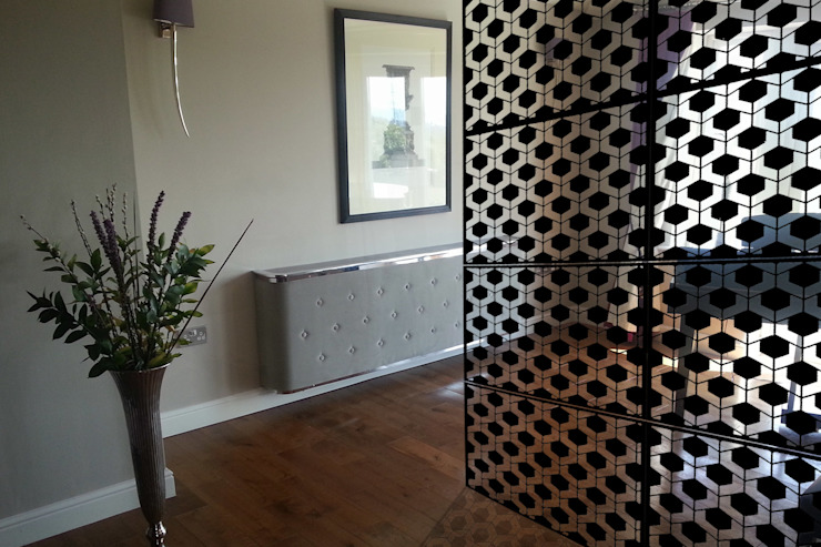 Modern black room dividers in fancy hexagon geometric pattern de Lace Furniture Moderno Metal