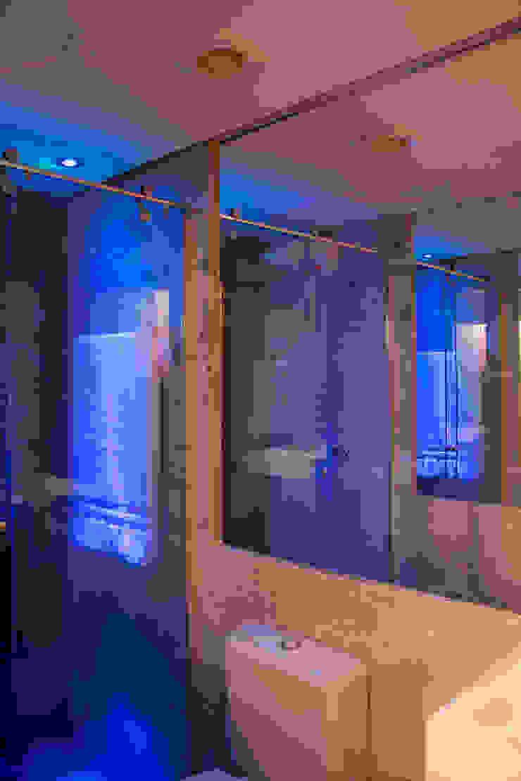 detalhes Banheiros minimalistas por arquiteta aclaene de mello Minimalista