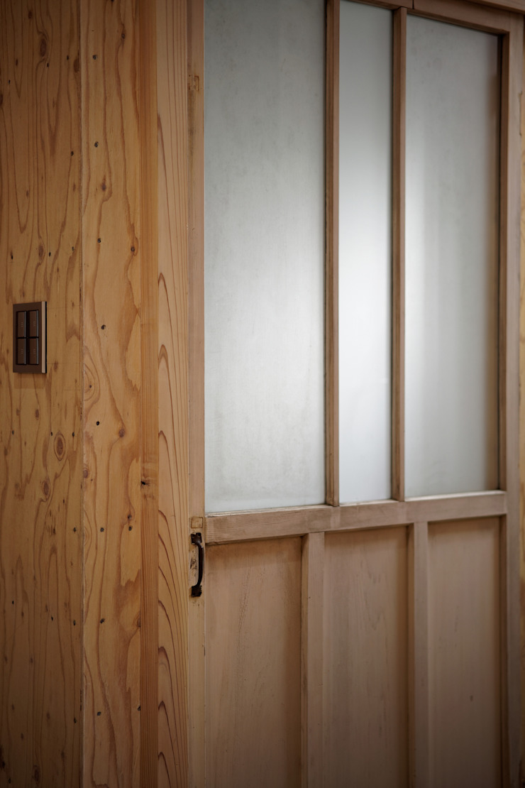 大河原の家 ミニマルスタイルの お風呂・バスルーム の 井上貴詞建築設計事務所 ミニマル 木 木目調