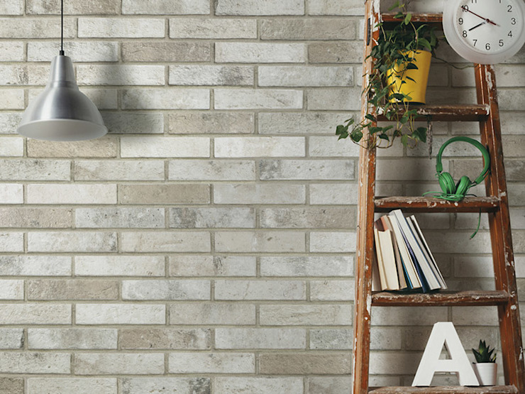 Battersea River Fog Brick Effect Tile par The London Tile Co. Moderne