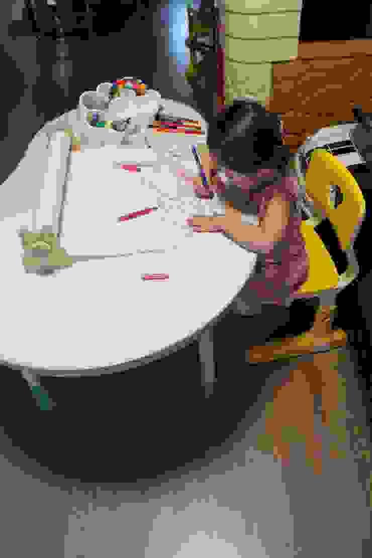 Rolly table: 토끼네집의 스칸디나비아 사람 ,북유럽