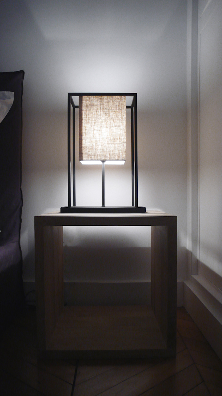 LE MARAIS, PARIS Classic style bedroom by Ardesia Design Classic