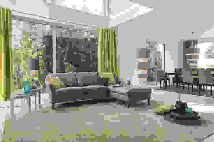 Living room by Zimmermanns Kreatives Wohnen