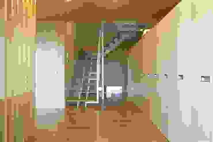 Modern corridor, hallway & stairs by SPACE DESIGN STUDIO Modern Plywood