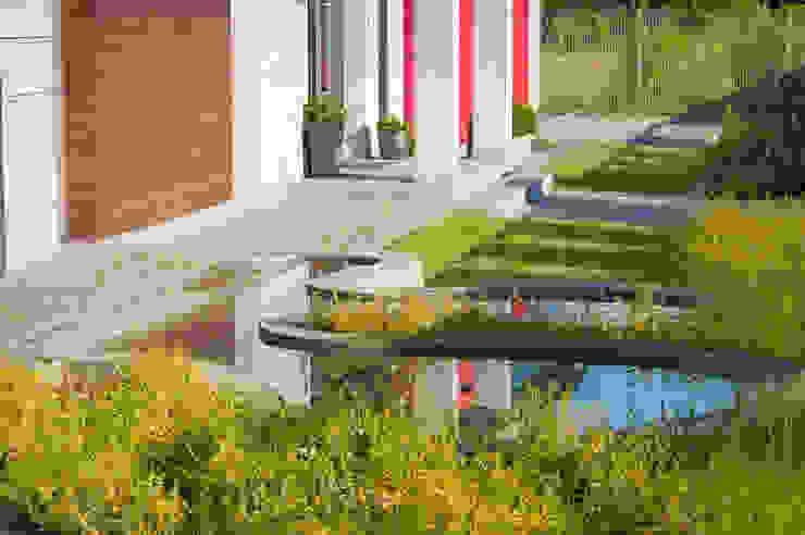 Ogród Nowoczesny ogród od Pracownia Projektowa Architektury Krajobrazu Januszówka Nowoczesny