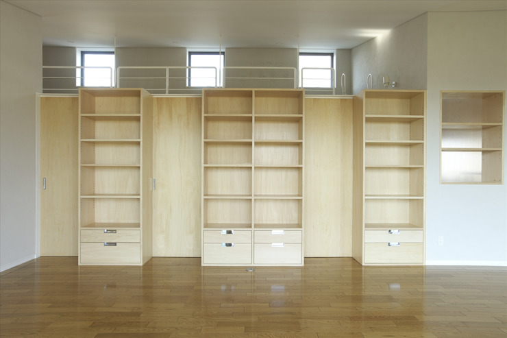 modern  by SPACE DESIGN STUDIO, Modern Plywood