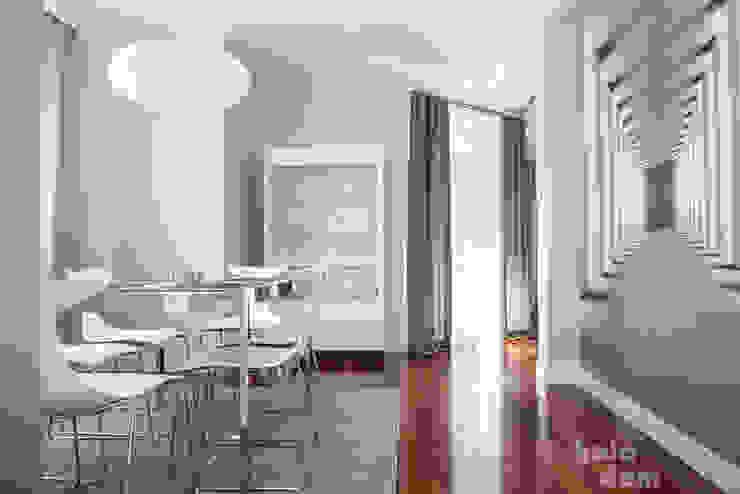 HOLADOM Ewa Korolczuk Studio Architektury i Wnętrz Minimalist dining room