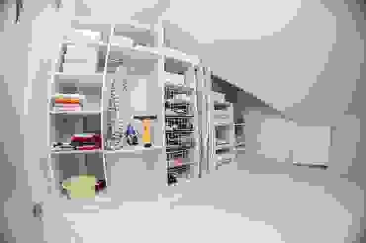 HOLADOM Ewa Korolczuk Studio Architektury i Wnętrz Dressing minimaliste