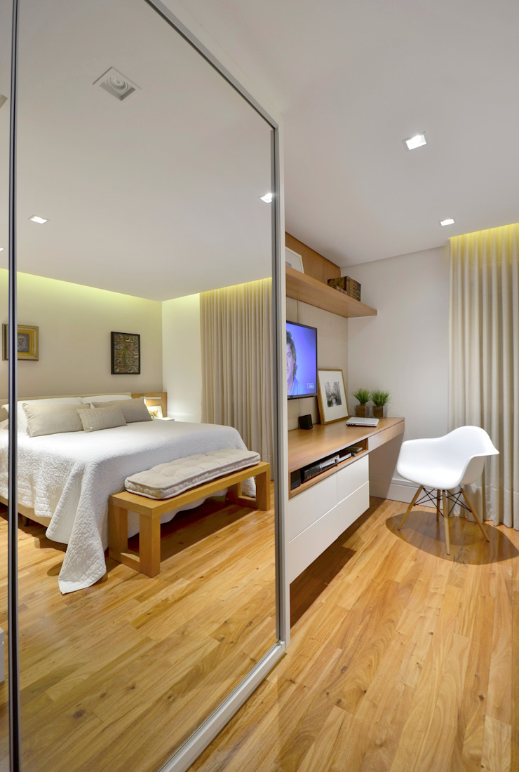 Modern Bedroom by Stúdio Márcio Verza Modern Wood Wood effect