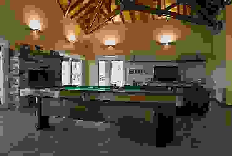 Casa V: Livings de estilo  por Estudio PM,Clásico