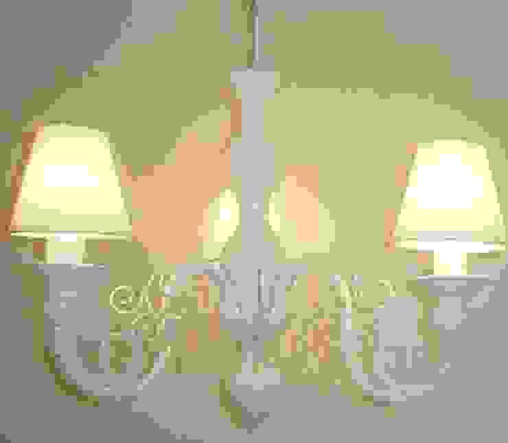 Lustre branco de teto com cúpulas clássico de 3 lâmpadas por Chic em cores com decoração LTDA Clássico