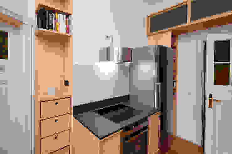 Happyhomes Modern kitchen